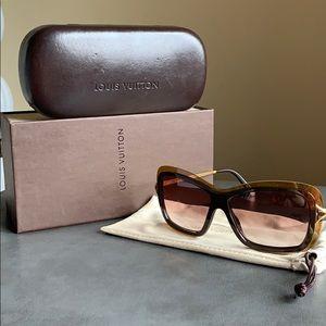 Lv sunglasses 🕶